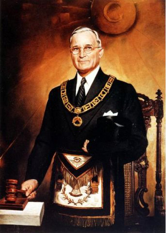 truman_masonic_regalia
