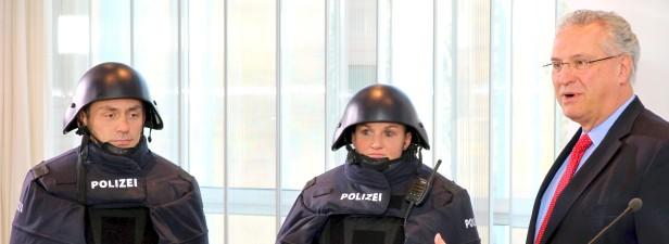 neue POLIZEI-Ausrüstung Bayern