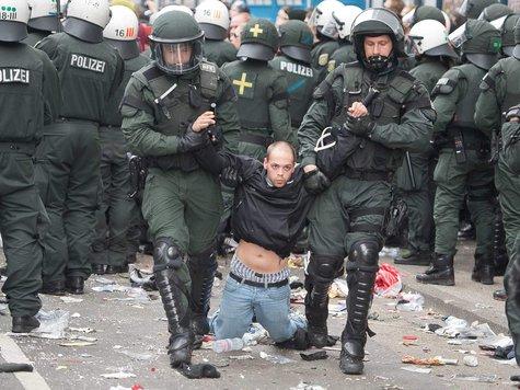 256650601-blockupy-demonstranten-gewalt-verletzte-frankfurt-5tI8hnmUA09