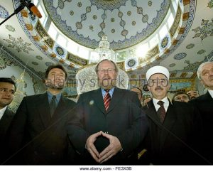 wolfgang-thierse-raute-moschee-300x242